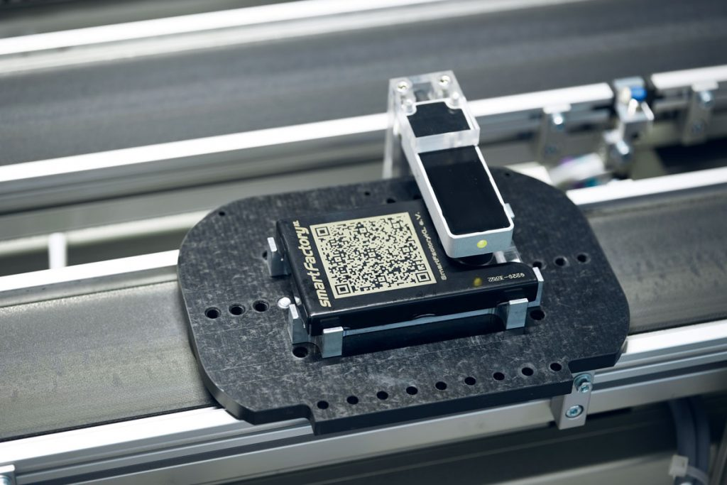 he product giving guidance to the production modules by its RFID tag. Image source: Arnoldi Design